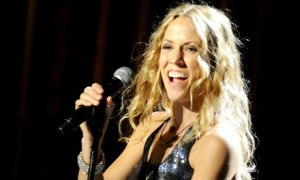 Sheryl-Crow-Performs-in-M-006