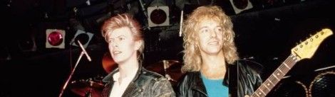 UNITED STATES - MARCH 18:  Photo of Peter FRAMPTON and David BOWIE; with Peter Frampton, performing live onstage at the Cat Club  (Photo by Ebet Roberts/Redferns)